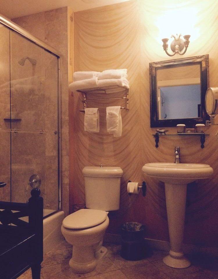 bathroom toilet plumbing fixture Suite