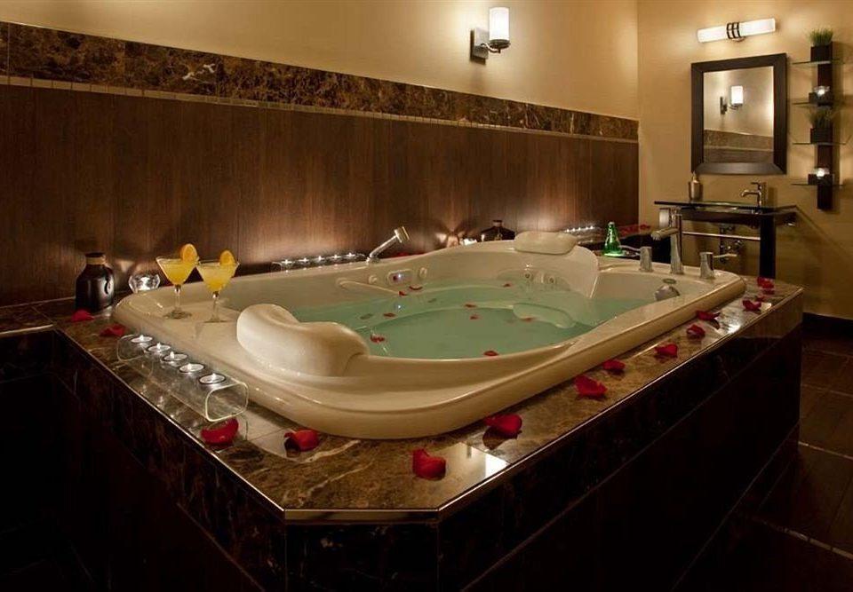 swimming pool sink counter jacuzzi billiard room bathtub Suite tile