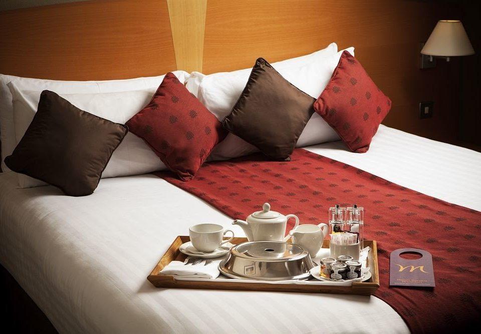 red bed sheet Suite pillow lamp orange sofa set