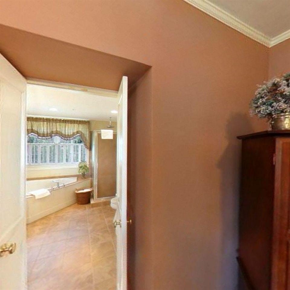property building home hardwood cottage Suite