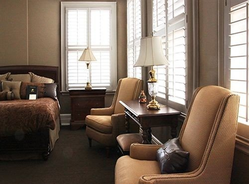 property living room chair home hardwood Suite condominium window treatment cottage