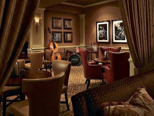 chair property living room Suite restaurant set