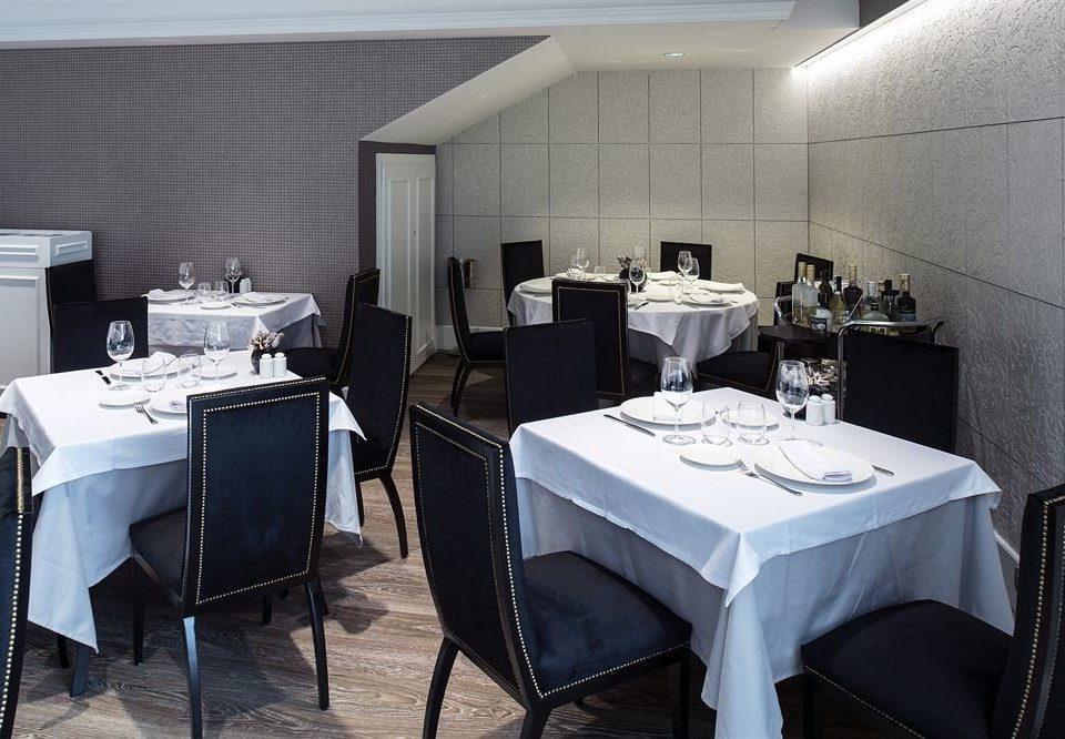 chair restaurant Suite