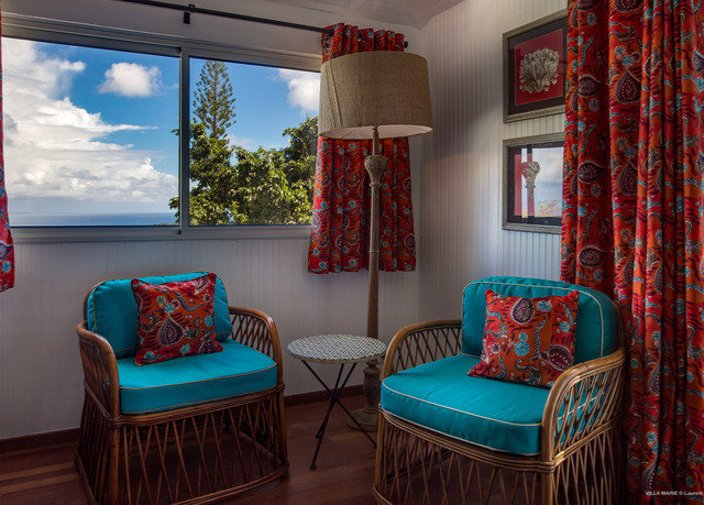 living room property house home cottage Suite colorful