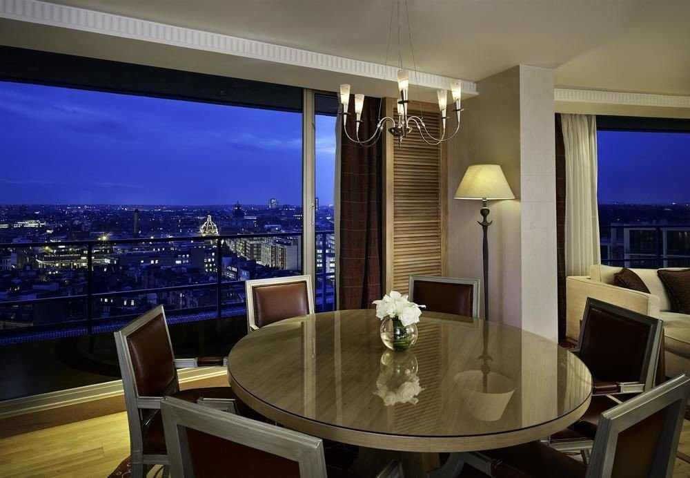 property Suite living room lighting condominium conference hall recreation room yacht