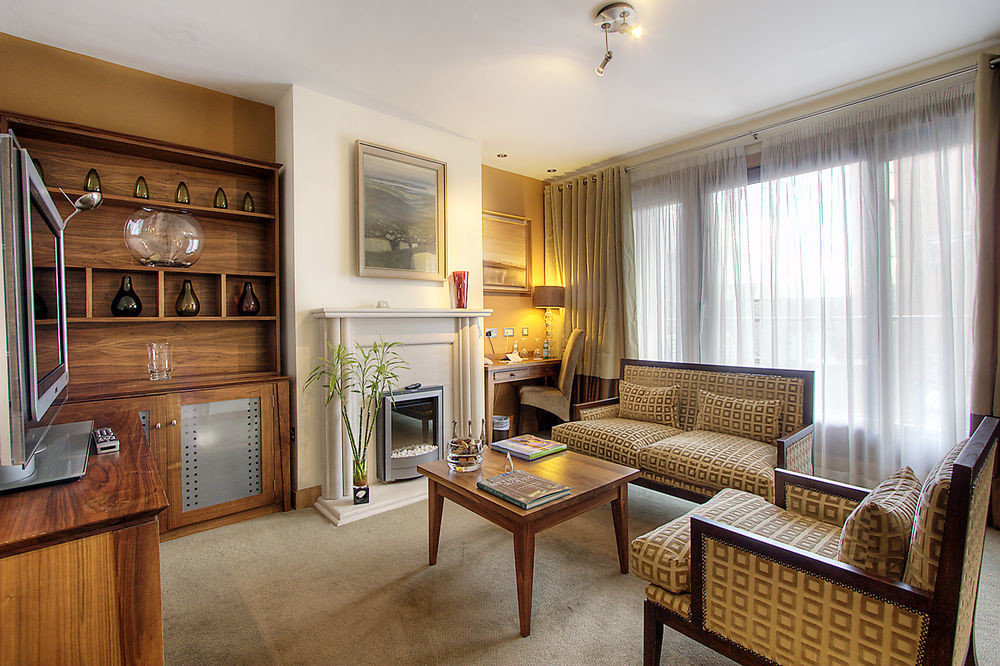 property home cottage Suite hardwood living room condominium farmhouse