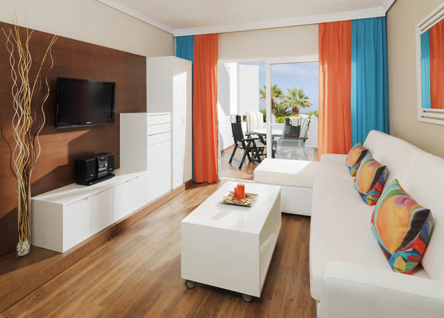 property living room home Suite hardwood cottage condominium laminate flooring flat hard