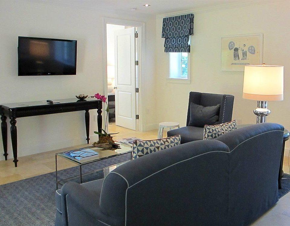 sofa property living room home condominium Suite cottage flat leather