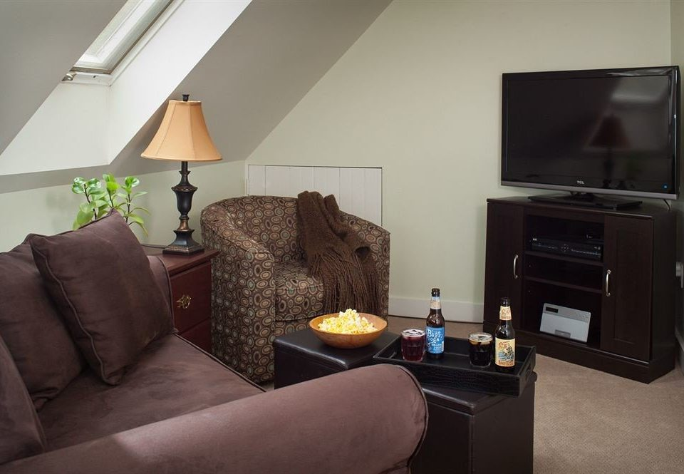 sofa property living room house home Suite cottage condominium flat