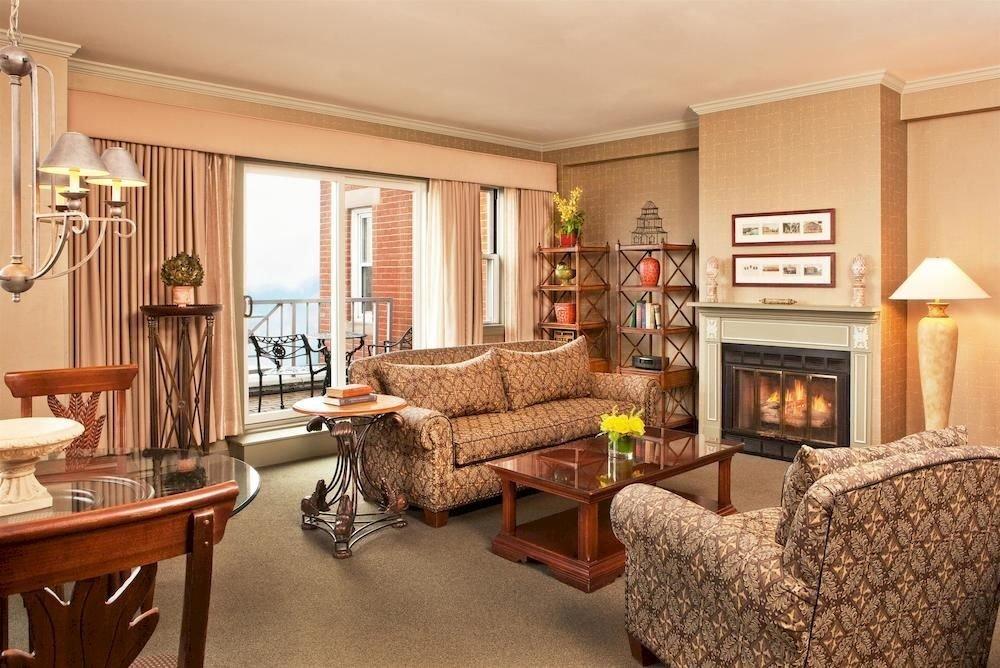sofa property living room home Suite hardwood cottage condominium leather