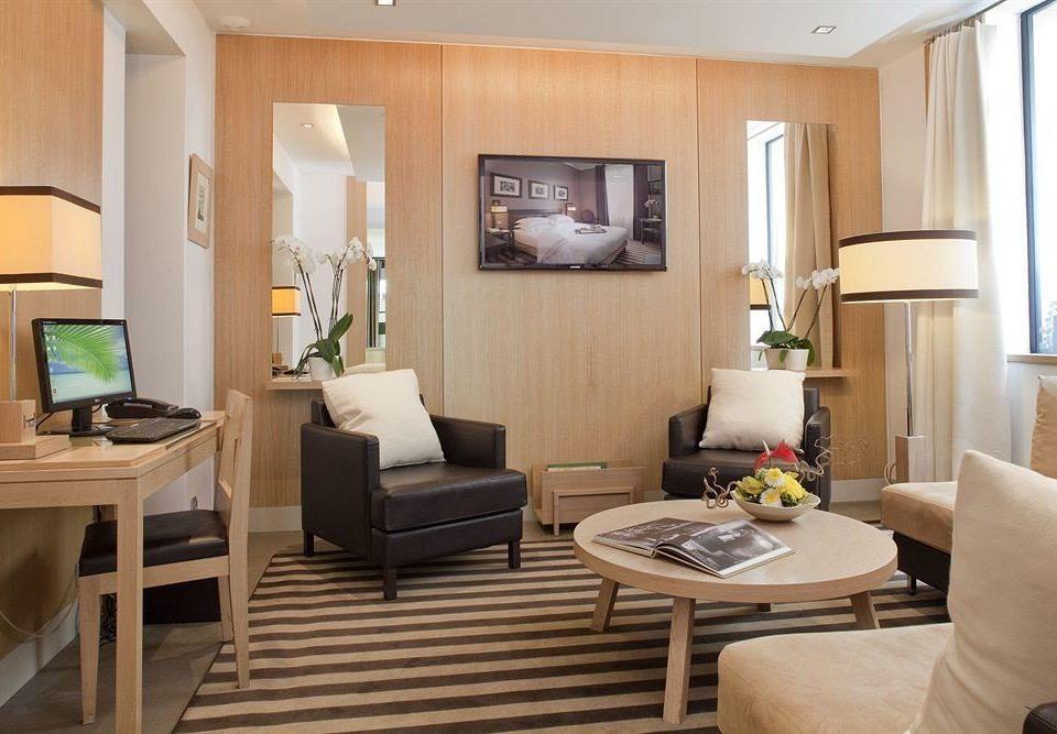 living room property home condominium Suite hardwood cottage