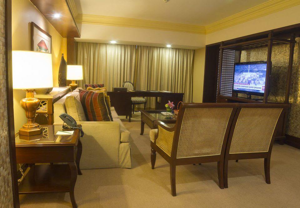 property Suite home condominium living room cottage recreation room
