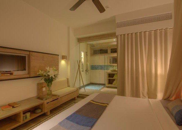 property condominium home Suite living room cottage tub