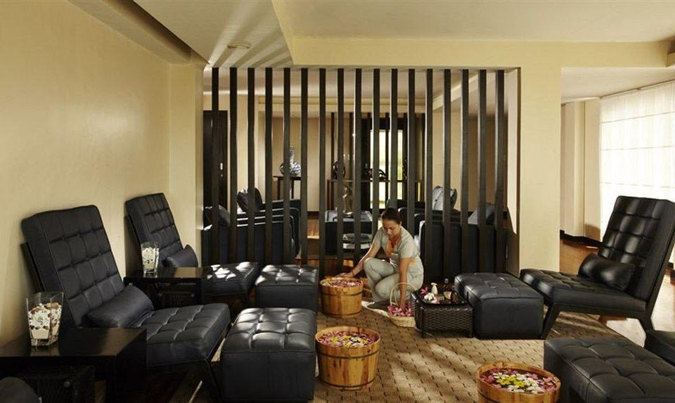 sofa property living room condominium Suite home cottage leather