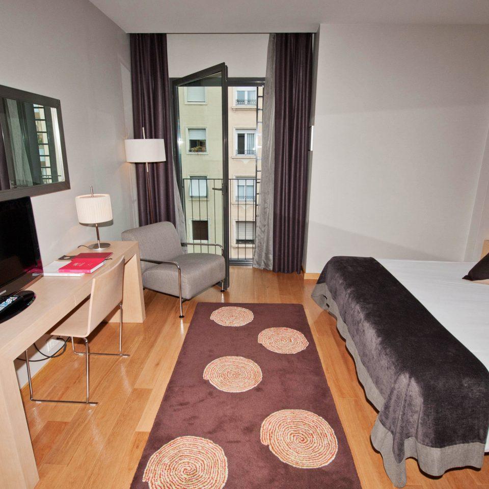 property condominium Suite home cottage living room