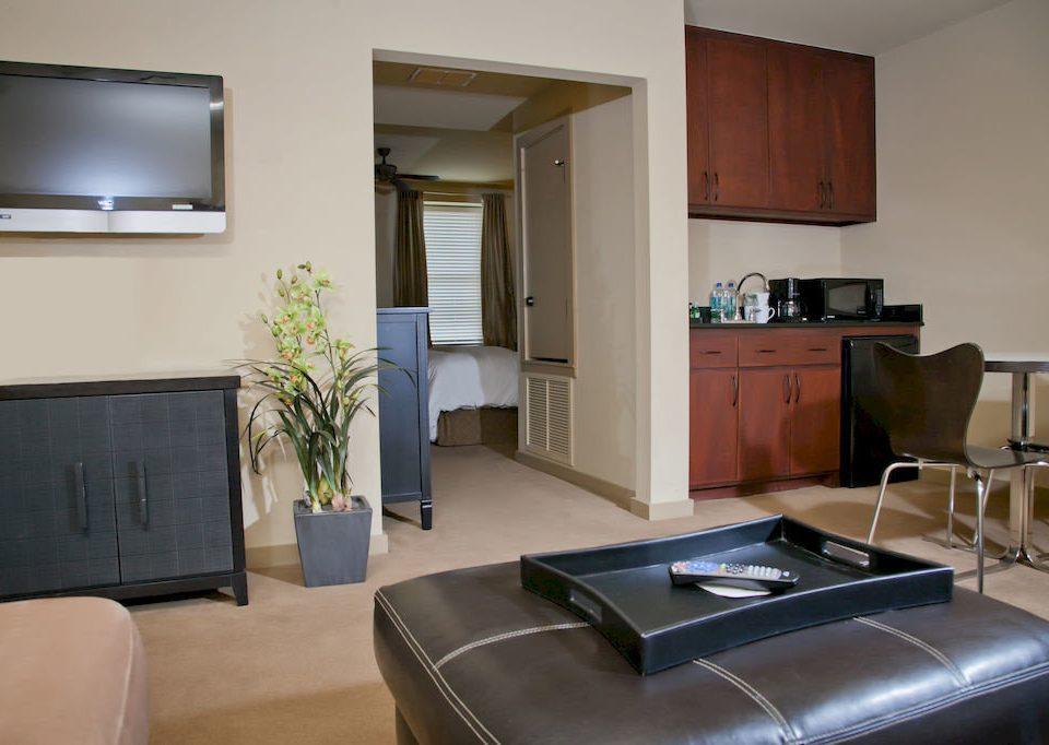 property condominium living room Suite home cottage leather