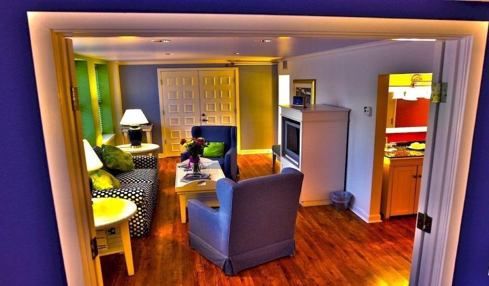 property home Suite condominium living room cottage