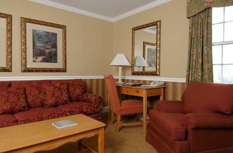 sofa property living room Suite home cottage condominium leather