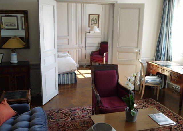 property living room home cottage Suite condominium