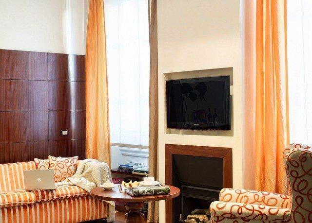 property Suite living room home cottage condominium