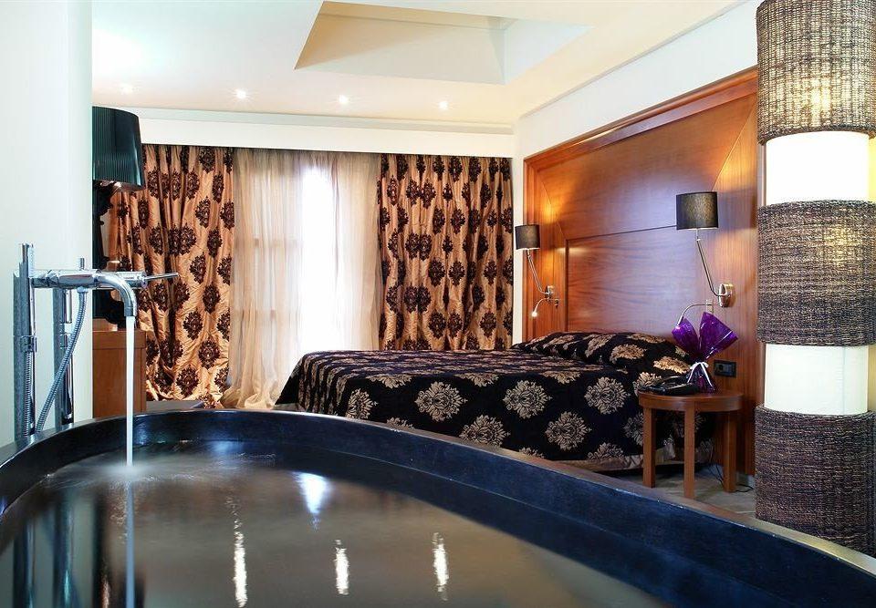 property Suite swimming pool home condominium mansion cottage