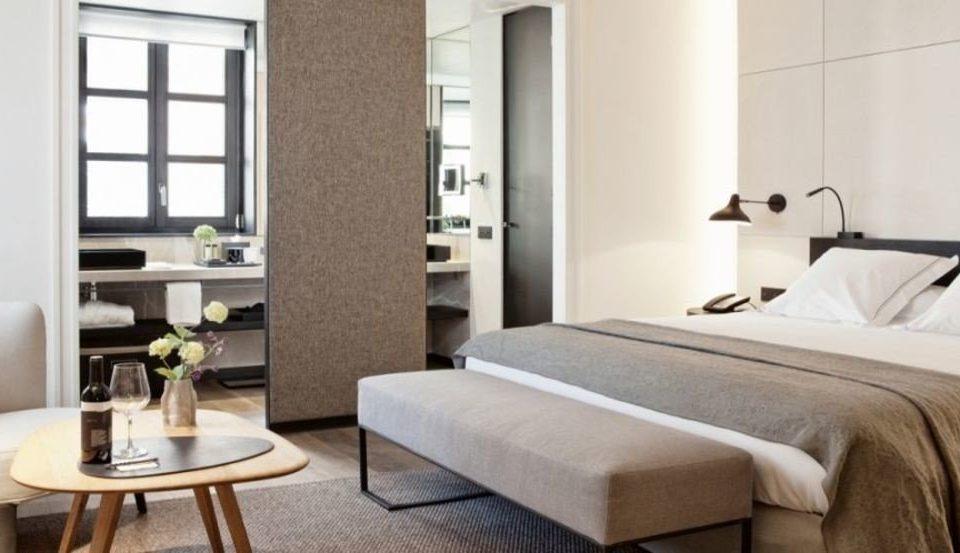 property Suite condominium cottage living room