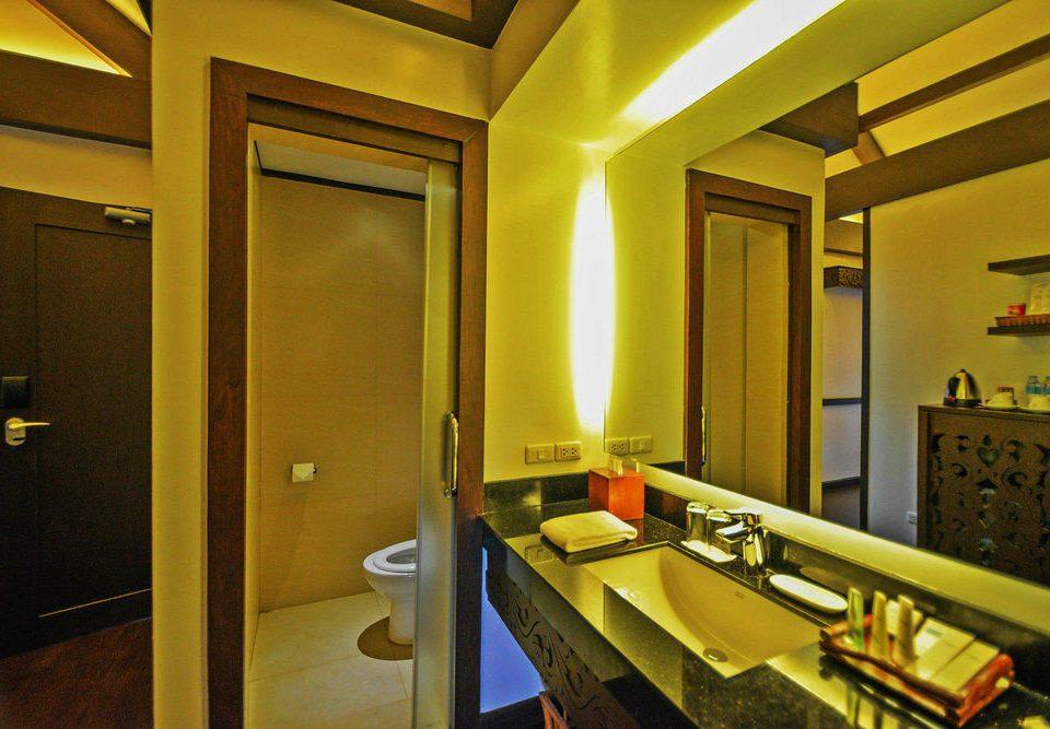 property mirror sink Suite home counter condominium