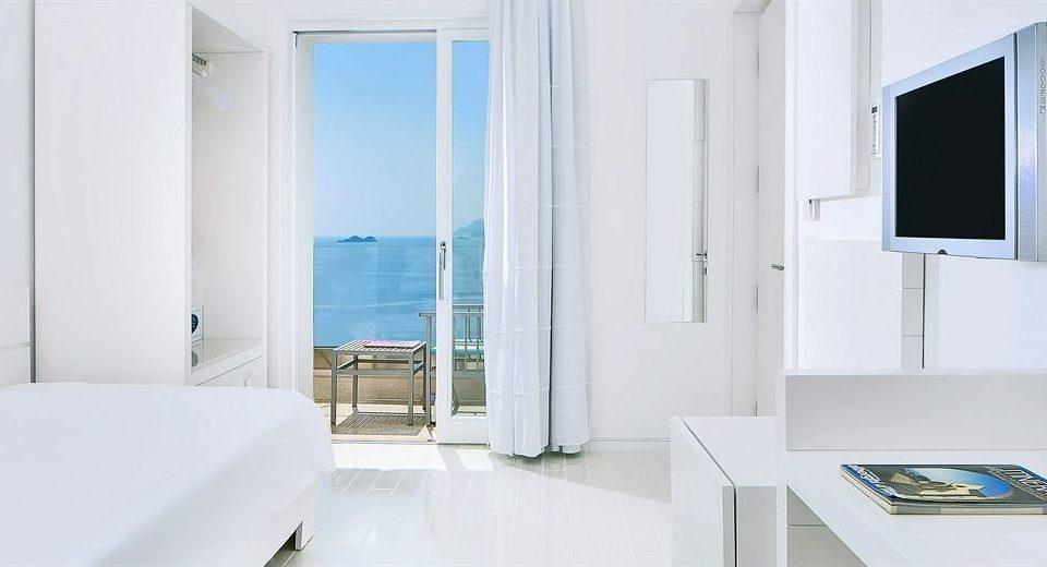 property house white home daylighting sink condominium Suite
