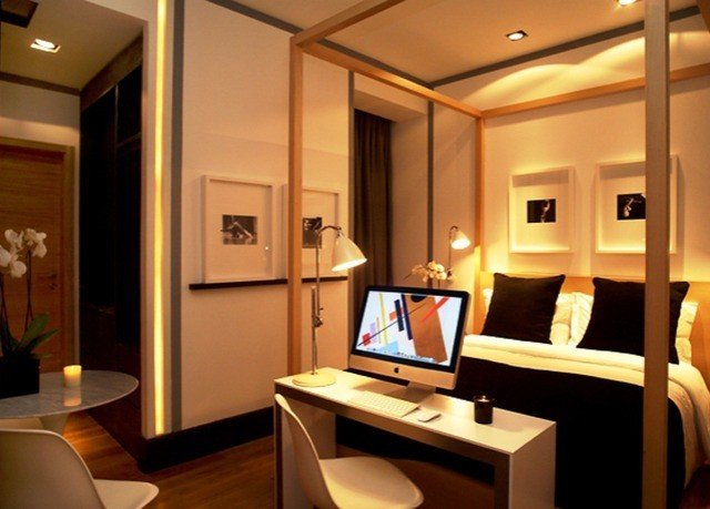 desk property Suite yacht lighting living room condominium recreation room office