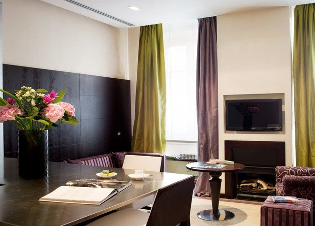 property living room Suite condominium home dining table
