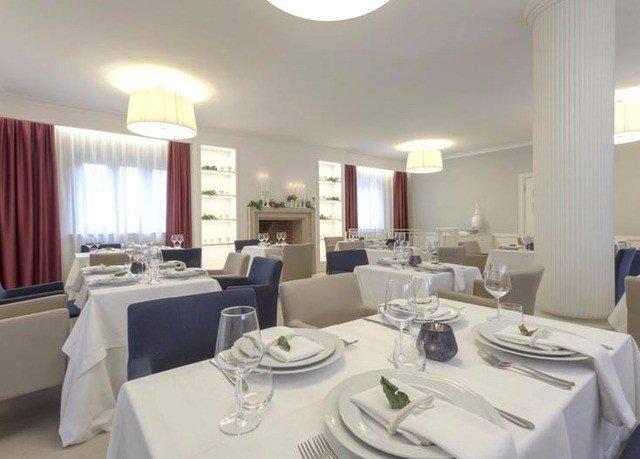 property living room condominium restaurant Suite dining table