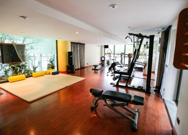 property structure condominium sport venue home hard Suite loft