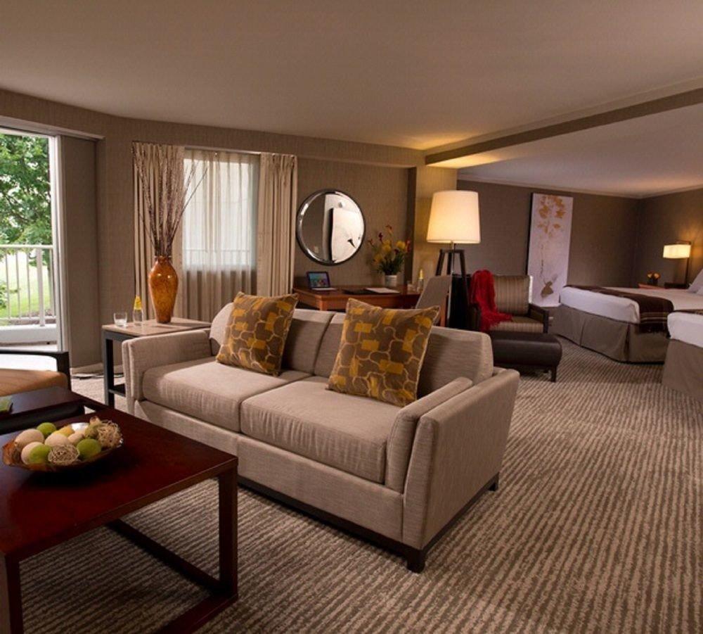 living room property Suite hardwood home condominium