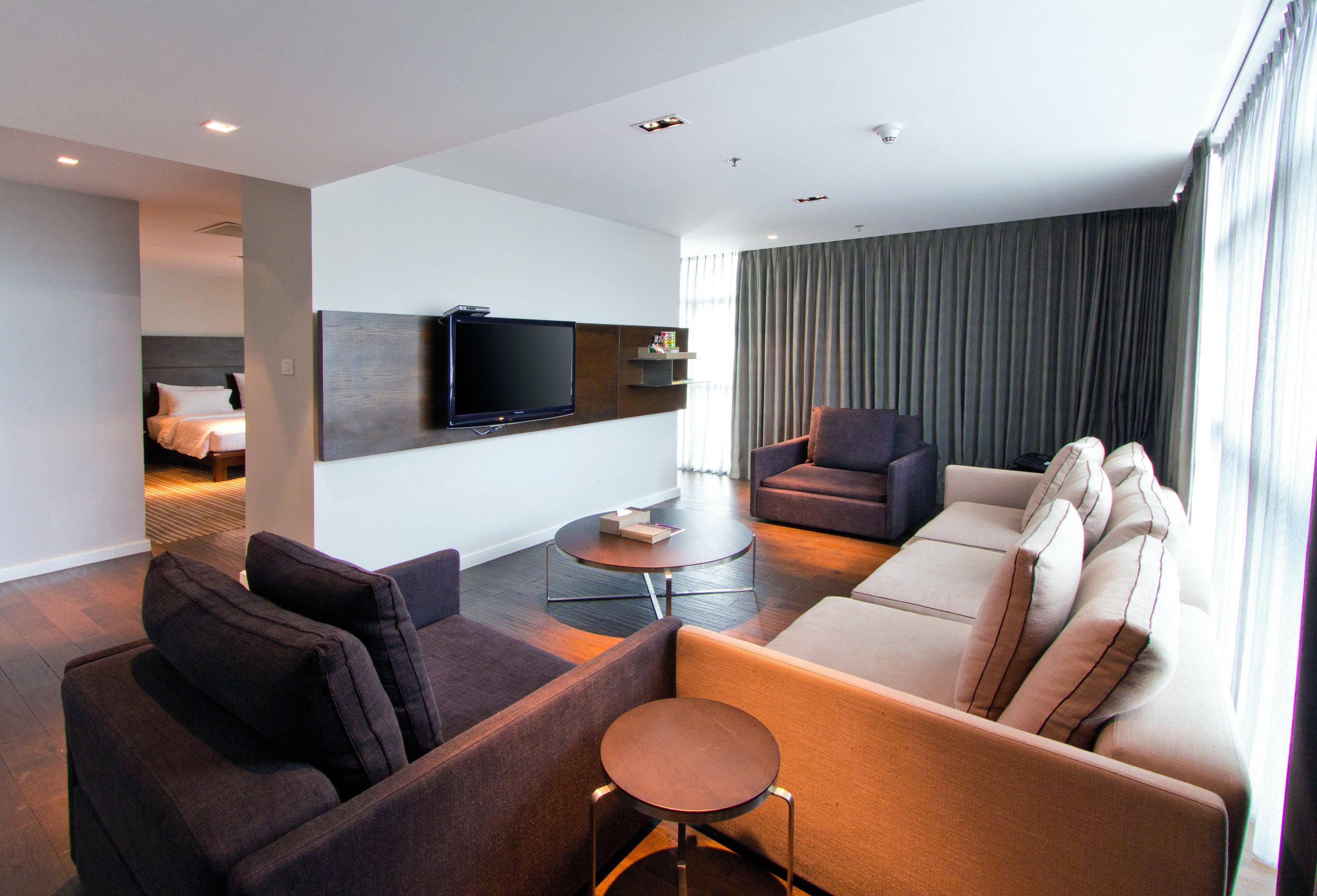 sofa property living room Suite home condominium leather