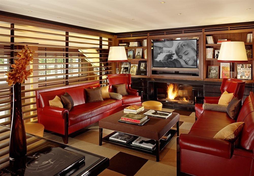 sofa living room property recreation room home condominium Suite leather