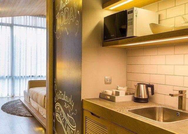 property home condominium Suite