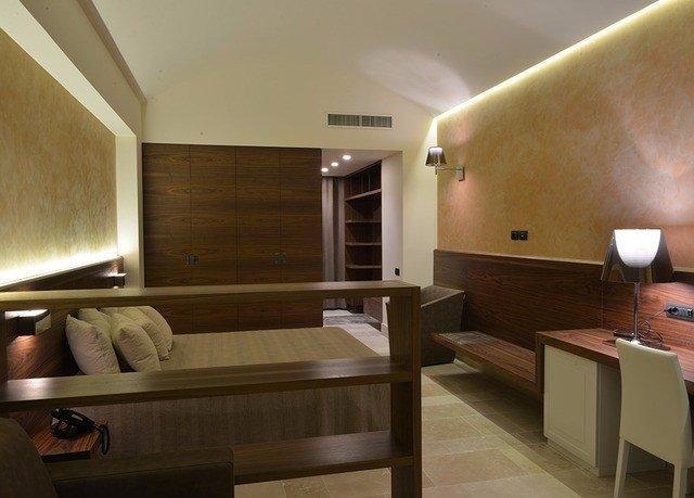 property Suite home condominium