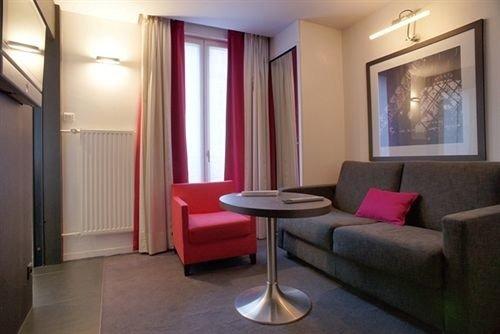 property Suite condominium living room