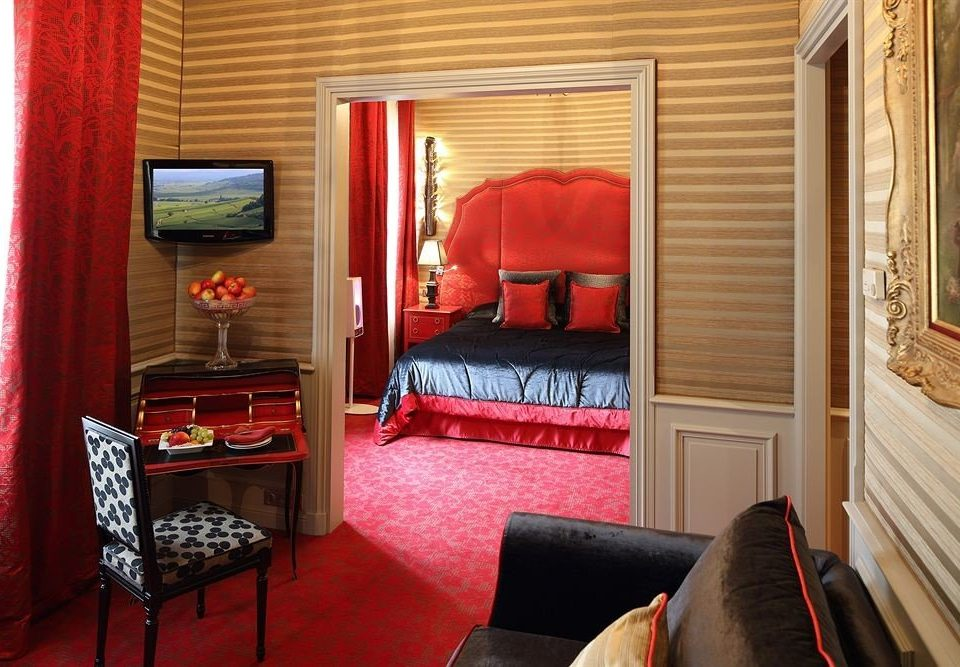 red property curtain cottage Suite living room leather