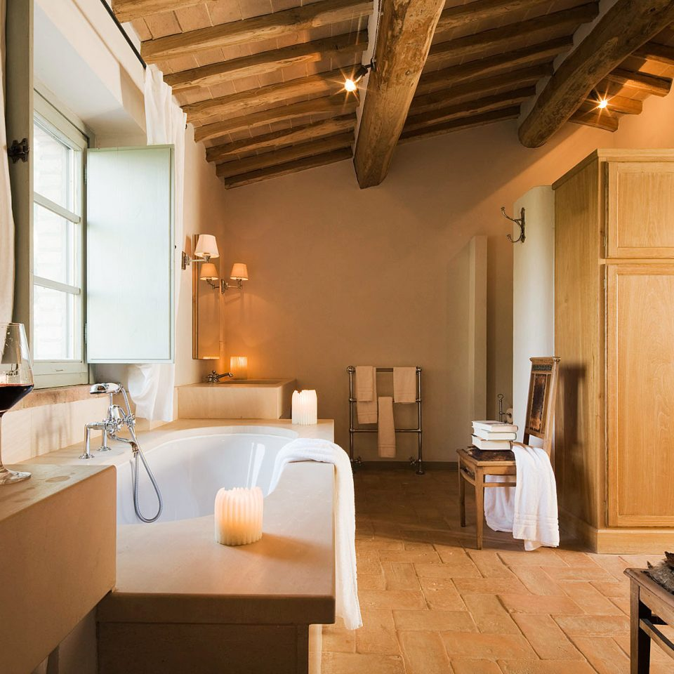 property house home cottage lighting Suite sink farmhouse living room tub