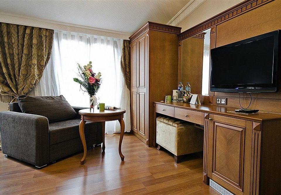 property Suite home hardwood living room cottage wood flooring flat