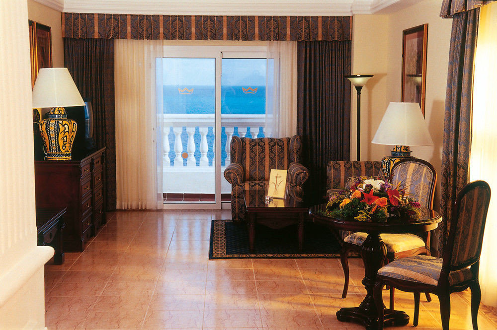 property living room home hardwood cottage Suite wood flooring