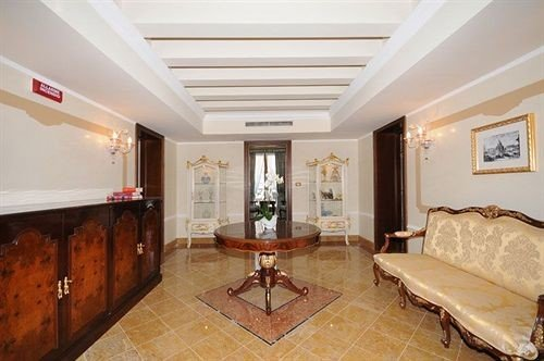 property living room home hardwood Suite cottage mansion