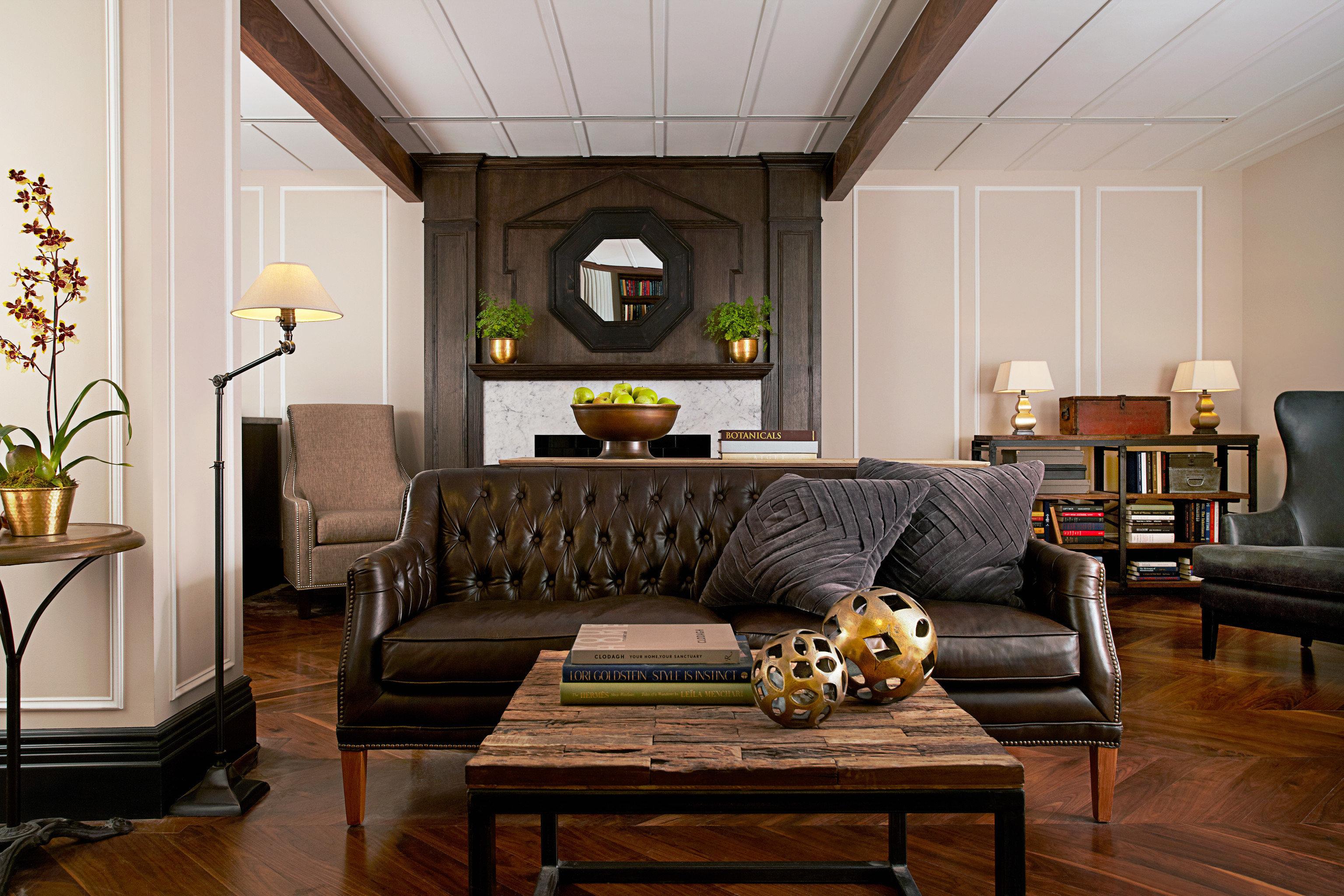 living room property home hardwood cottage Suite mansion recreation room wood flooring
