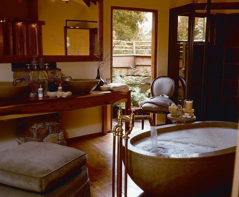 property restaurant home cottage living room Suite