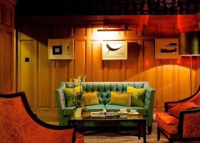 living room home cottage recreation room mansion Suite