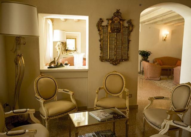 property home living room Suite cottage