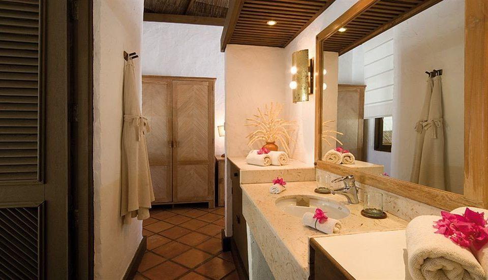 property Suite home living room cottage mansion