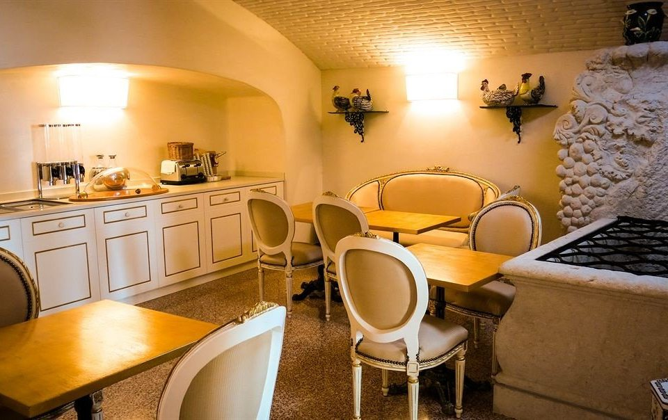 property home Suite cottage restaurant