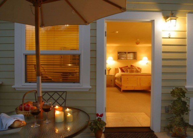 property lighting swimming pool cottage Suite